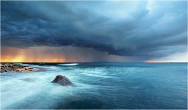 пейзаж морской перед грозой