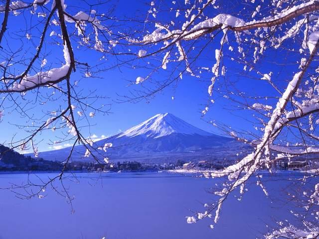 гора фудзияма фото зимой