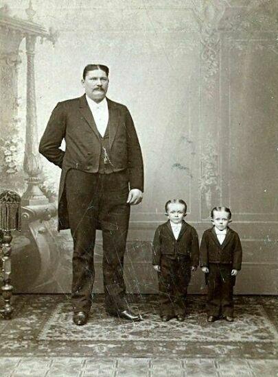 Папа с сыновьями