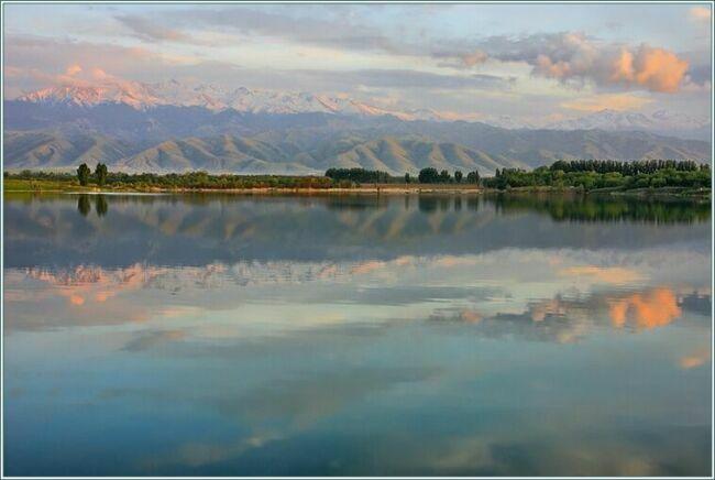 Рассвет на голубых озерах Казахстана