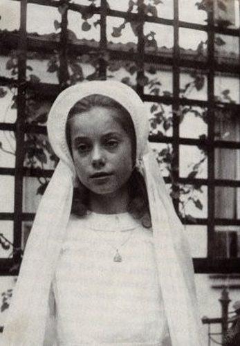 детское фото Катрин Денев