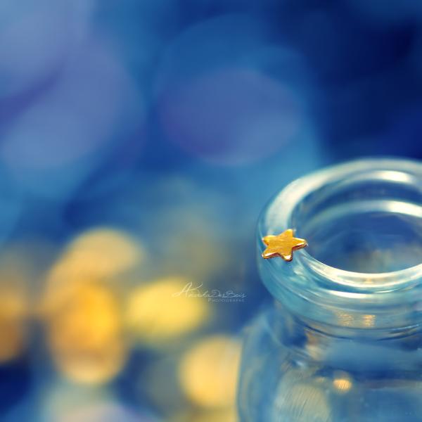 бутылка синего стекла