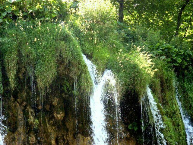 Плитвицкие озера в Хорватии летом