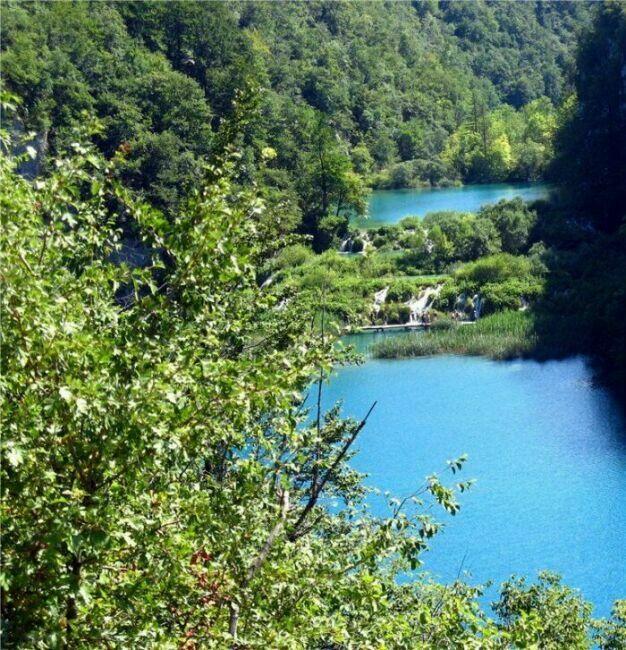 Голубые озера Хорватии сверху