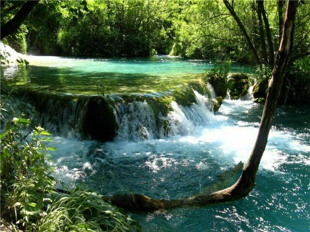 Водопады на Плитвицких озерах  Хорватии