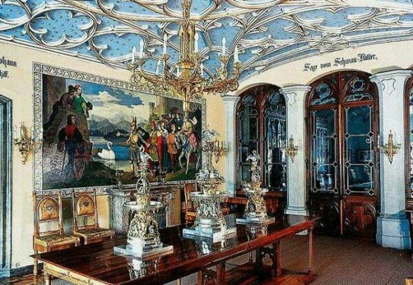 Зал Лебединого Рыцаря