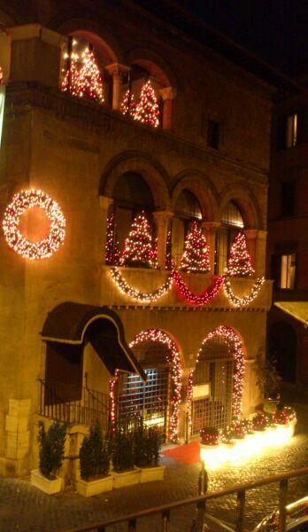 Рим зимой в гирляндах