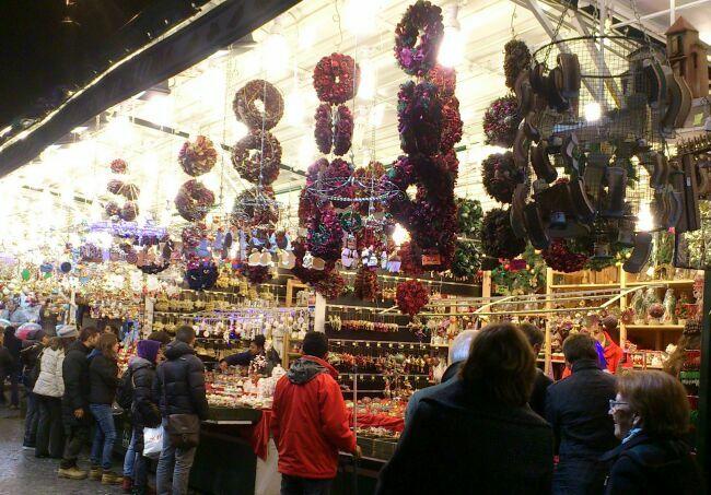 Новогодняя ярмарка на площади Пьяцца Навона