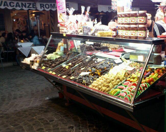 Вкусности на ярмарке зимнего Рима