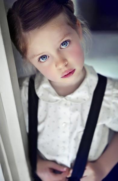 Девочка пишет к Богу