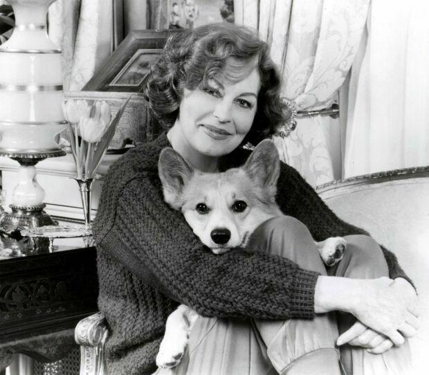 foto Ava Gardner com seu cão de estimação