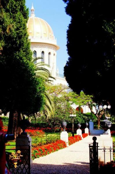 фото Бахайского Храма