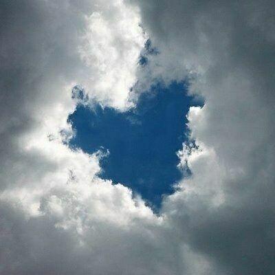 фото сердце на небе