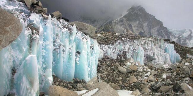 Ледяной язык горы Эвереста