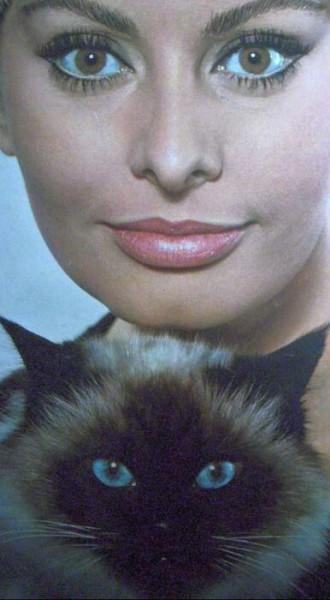16 Sophia Loren
